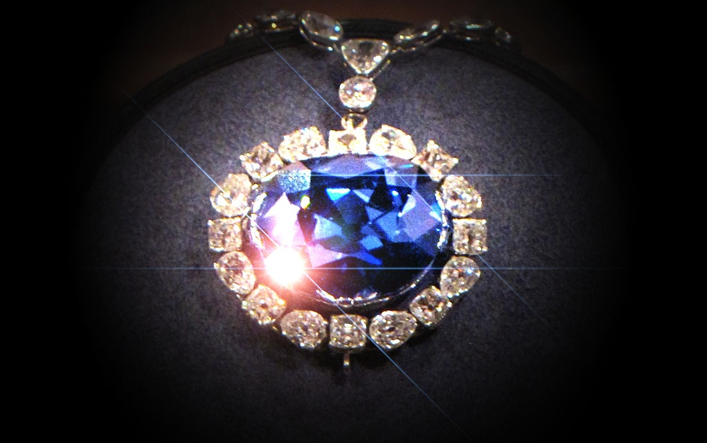 Gyönyörű és isteni átokkal sújtott – A Hope Gyémánt