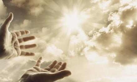 Tedd meg ezt a 8 dolgot, ha jó kapcsolatra vágysz Istennel és az angyalokkal