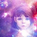 Látnok a baba? – 10 jel, hogy igazi médium a gyereked