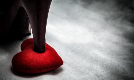 Nem csak a testedet kínozhatod! – 7 jel, hogy érzelmi mazochista vagy