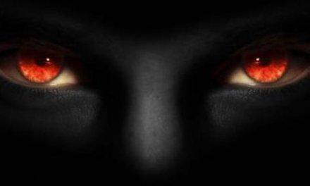 Ha ismerős ez a 4 jel, vigyázz, mert meg akar kísérteni a Gonosz