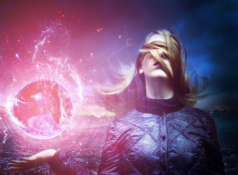 11 jel, ami arról árulkodik, hogy Fényküldött vagy