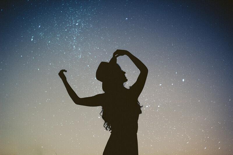 7 jel, hogy életedet az asztrológia határozza meg és túlságosan függsz tőle