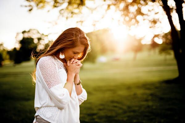 8 egyszerű gyakorlat, amivel a negatív energiát pozitívvá változtathatod